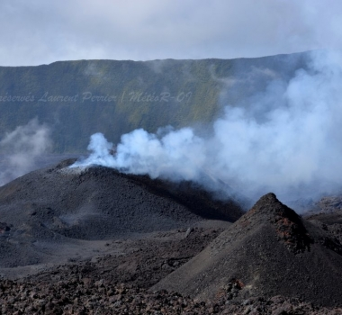 April 03 , 2018. EN. Update Piton de la Fournaise . 11h30.