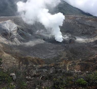 September 26 , 2017. EN. Agung , Nevados de Chillan , Cleveland  , Sabancaya , Poas , Turrialba , Rincon de la Vieja .