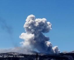 June 01 , 2020. EN. Russia / Northern Kuriles : Ebeko , Indonesia : Dukono , Vanuatu Archipelago : Ambrym , Ecuador : Sangay .