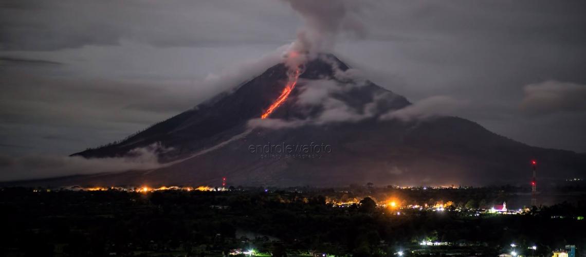 November 05 , 2017 . EN.  Ambae , Sinabung , Mayon , Ubinas , Popocatepetl .