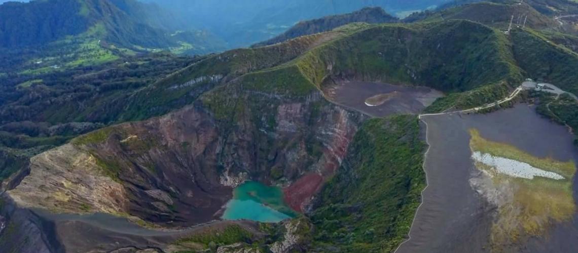 12 Novembre 2017 . FR. Copahue , Chiles / Cerro Negro , Popocatepetl , Turrialba , Poas , Rincon de la Vieja , Irazu .