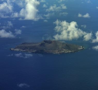 August 19, 2021. EN. Japan : Fukutoku-Okanoba , Japan : Nishinoshima , Iceland : Geldingadalur / Fagradalsfjall , Kamchatka : Karymsky , La Martinique : Montagne Pelée .