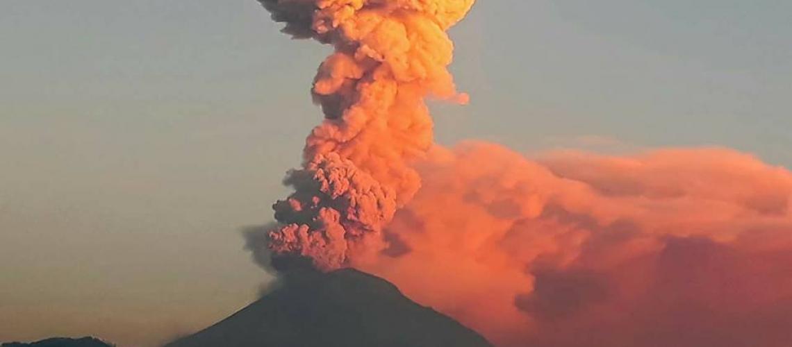 November 25 , 2017. EN.  Popocatépetl , Kilauea , Sheveluch , Ibu .
