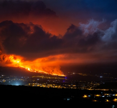 September 22, 2021. EN. Spain / La Palma : Cumbre Vieja , Italy / Sicily : Etna , Italy : Stromboli , Alaska : Katmai , Colombia : Nevado del Ruiz .