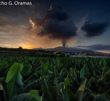 September 26, 2021. EN. Spain / La Palma : Cumbre Vieja , Kamchatka : Karymsky , Philippines : Taal , Guatemala : Fuego , Indonesia : Ili Lewotolok .