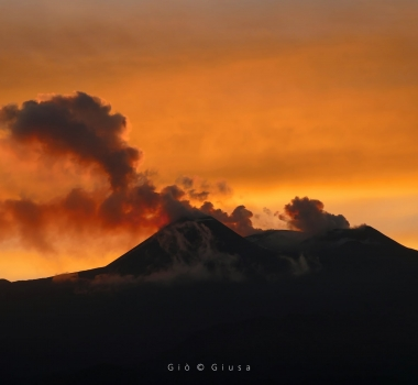 October 06 , 2021. EN. Spain / La Palma : Cumbre Vieja , Italy / Sicily : Etna , Hawaii : Kilauea , Italy : Stromboli , Colombia : Nevado del Ruiz .