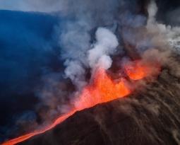 October 22 , 2021. EN. Spain / La Palma : Cumbre Vieja , Italy / Sicily : Etna , Colombia : Nevado del Ruiz , Hawaii : Kilauea , Papua New Guinea : Kadovar .