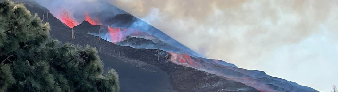 October 13, 2021. EN. Italy / Sicily : Etna , Hawaii : Kilauea , Spain / La Palma : Cumbre Vieja , Italy : Stromboli , Chile : Nevados de Chillan , Iceland : Askja .