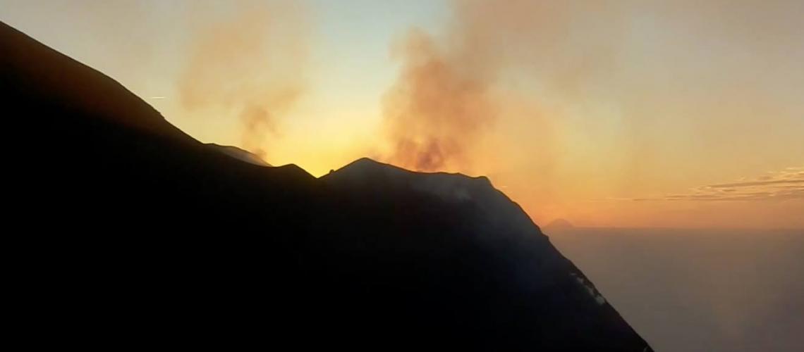 15 Décembre 2017. Mise à jour spéciale : eruption sur Stromboli.