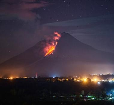 23 Décembre 2017. FR. Sinabung , Nevado Del Ruiz , Agung , White Island.