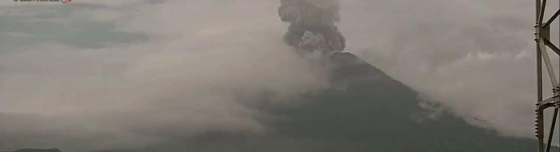 24 Décembre 2017 . FR. Agung , Karymsky , Cerro Machin , Sierra Negra ( Galapagos).