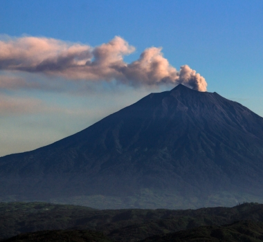 April 13, 2020. EN. Indonesia : Kerinci , Chile : Nevados of Chillan , Philippines : Taal / Mayon / Kanlaon , Hawaii : Kilauea .