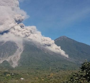 February 01 ,  2018 . EN.  Fuego , Update 17 h.