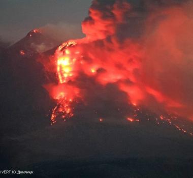August 29, 2021. EN. Alaska : Atka Volcanic Complex , Alaska : Katmai , Kamchatka : Sheveluch , Hawaii : Kilauea , Italy / Sicily : Etna .