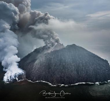 February 02 ,  2018. EN.  Mayon , Fuego , Piton de la Fournaise , Kadovar .