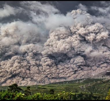 February 24 ,  2018. EN.  Mayon , Yellowstone , Ebeko , Sinabung .