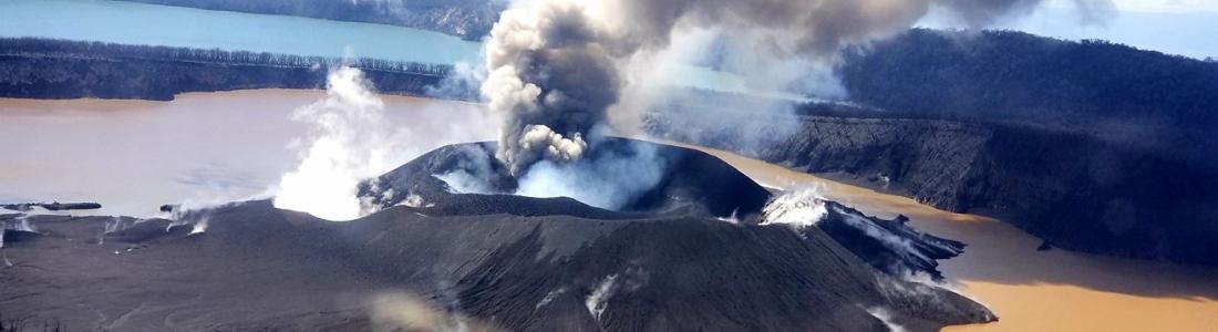 15 Avril 2018 . FR. Ambae , Sinabung , Osorno , Piton de la Fournaise.