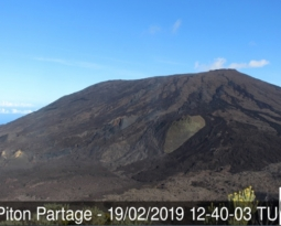 February 19 ,  2019.  EN.  La Réunion : Piton de la Fournaise , Update 16h45.