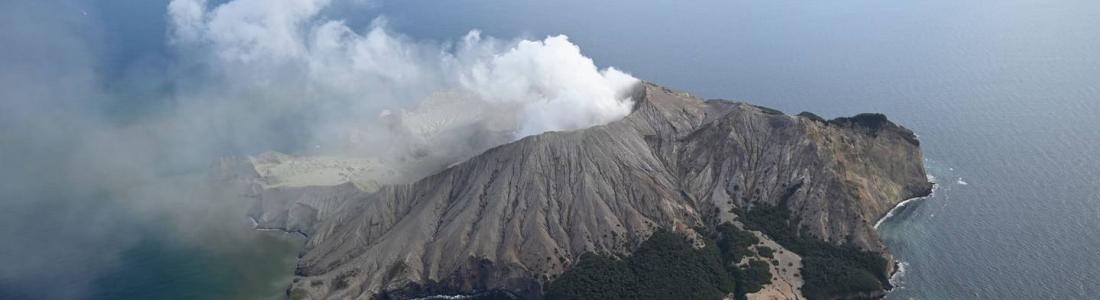 11 Juin 2021. FR. Italie : Stromboli , Nouvelle Zélande : White Island , Italie / Sicile : Etna , Indonésie : Ili Lewotolok , Islande : Geldingadalur / Fagradalsfjall .