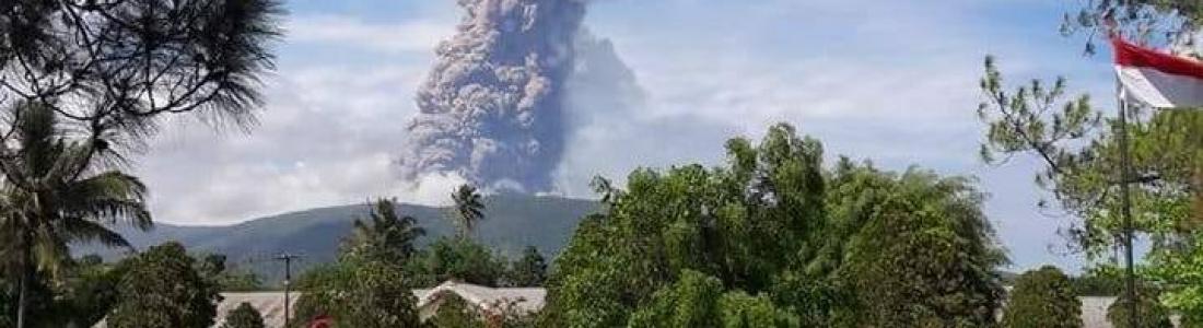 04 Octobre 2018.  FR.  La Réunion : Piton de la Fournaise , Indonésie : Anak Krakatau , Indonésie : Soputan , Papouasie Nouvelle Guinée : Manam , Indonésie : Gamalama .