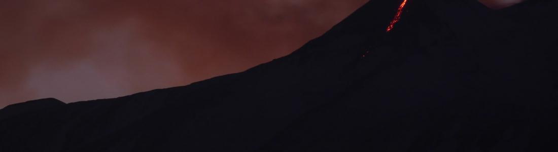 13 Décembre 2018 . FR . Papouasie Nouvelle Guinée : Manam , Alaska : Cleveland , Italie / Sicile : Etna , Guadeloupe : La Soufrière , Indonesie : Ibu .