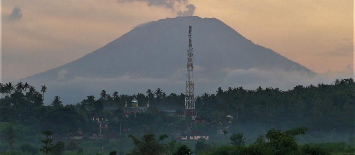 December 31 , 2018. EN.  Ecuador : Reventador , Philippines : Mayon , Indonesia : Agung , Mexico : Popocatepetl .