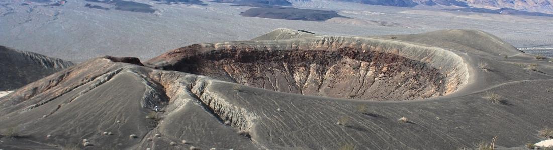 February 11, 2020. EN. La Reunion : Piton de la Fournaise , Peru : Sabancaya , Indonesia : Anak Krakatau , Philippines : Taal / Mayon , United States : Volcanoes of California .