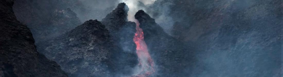 June 05, 2019. EN. Italy / Sicily : Etna , Peru : Sabancaya , Indonesia : Merapi , United States : Yellowstone.