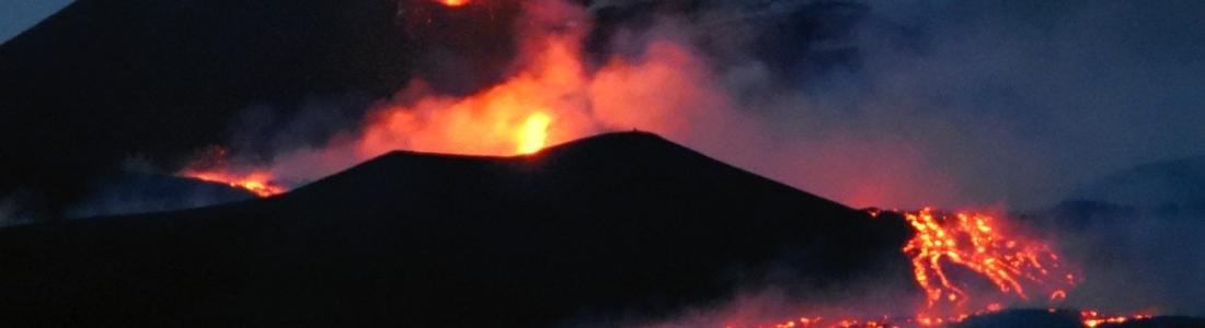 28 Juillet 2019. Fr . Italie / Sicile : Etna , Indonésie : Tangkuban Parahu , Indonésie : Mérapi , Philippines : Taal .