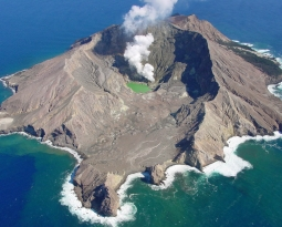 June 27, 2019. EN. New Zealand : White Island , Papua New Guinea : Ulawun , Russia / Kuril Islands : Raikoke , Mexico : Popocatepetl .