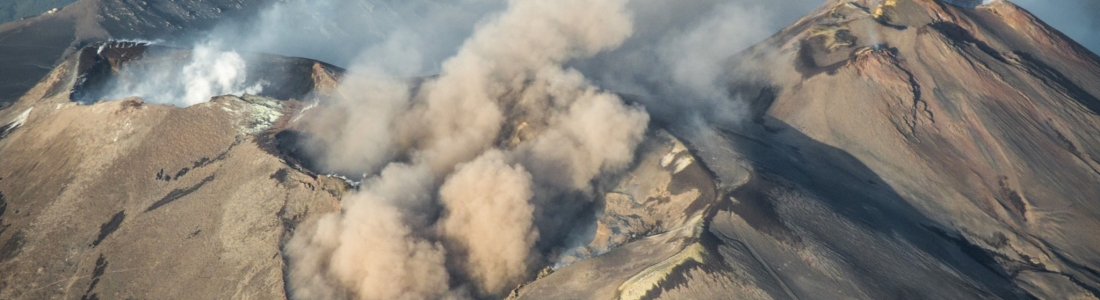 13 Novembre 2019. FR. Italie / Sicile : Etna , Colombie : Chiles / Cerro Negro , Hawaii : Laupāhoehoe , Italie : Campi Flegrei .