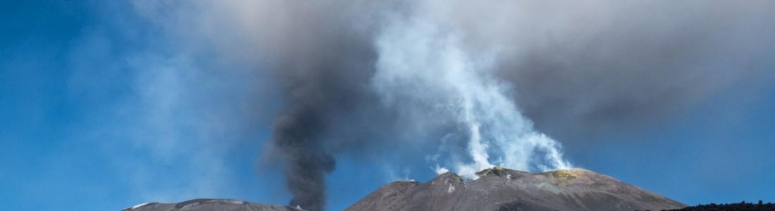 02 Octobre 2019. FR. Italie / Sicile : Etna , Chili : Copahue , Pérou : Sabancaya , La Réunion : Piton de la Fournaise .