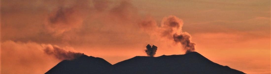 22 Octobre 2019. FR. La Réunion : Piton de la Fournaise , Italie / Sicile : Etna , Chili : Nevados de Chillan , Pérou : Ubinas , Indonésie : Tangkuban Parahu .