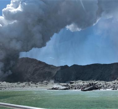 December 10, 2019. EN. New Zealand : White Island , Kamchatka : Avachinsky , Peru : Ubinas , Peru , Sabancaya , Italy / Sicily : Etna .