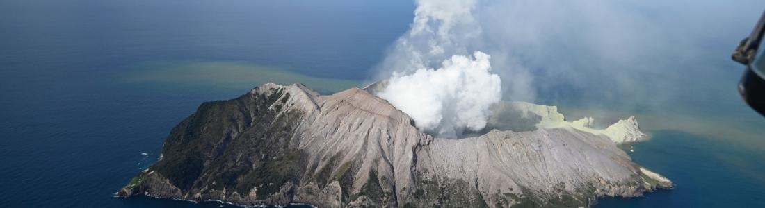 11 Décembre 2019. FR. Nouvelle Zélande : White Island , Italie / Sicile : Etna , Colombie : Nevado del Ruiz , Guatemala : Santiaguito .