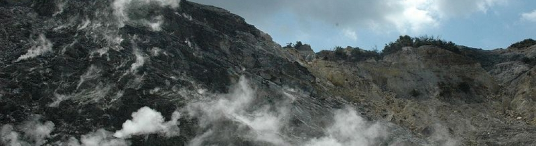 04 Décembre 2019. FR. Italie : Campi Flegrei , Colombie : Nevado del Ruiz , Indonésie : Anak Krakatau , Italie / Sicile : Etna , Japon : Sakurajima .