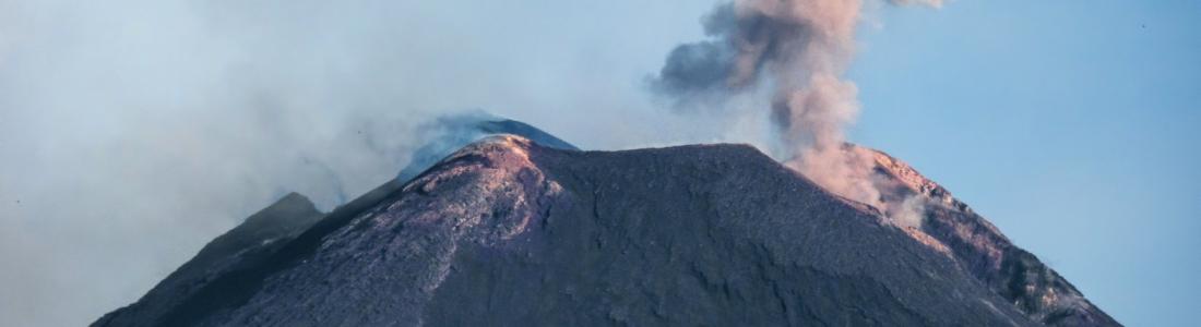 24 Juin 2020. FR . Italie / Sicile : Etna , Italie : Stromboli , Guatemala : Pacaya , Islande : Sismicité / Péninsule de Reykjanes .