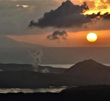 January 23, 2020. EN . Philippines : Taal , Italy / Sicily : Etna , Chile : Nevados of Chillan , Ecuador : Sangay , Mexico : Popocatepetl .