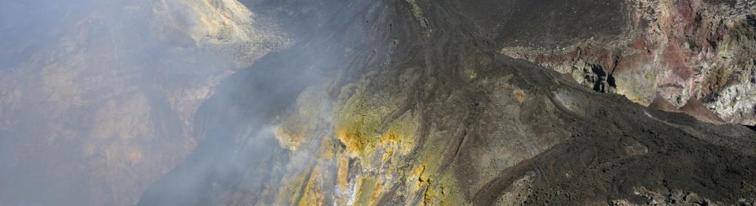 19 Février 2020 . FR . Italie / Sicile : Etna , Italie : Stromboli , Colombie : Nevado del Ruiz , Nouvelle Zélande : White Island .
