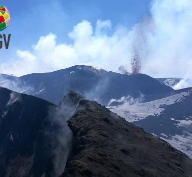April 15, 2020. EN. La Reunion : Piton de la Fournaise , Italy / Sicily : Etna , Italy : Stromboli , Peru : Ubinas , Indonesia : Lokon .