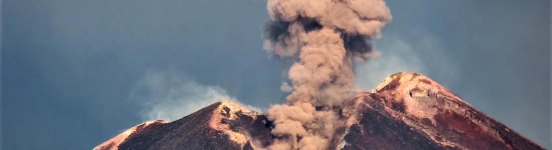 13 Mai 2020. FR. Perou : Ubinas , Italie / Sicile : Etna , Etats – Unis / Hawaii : Lōʻihi Seamount , Colombie : Chiles / Cerro Negro .