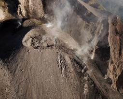 November 14, 2019. EN. Alaska : Shishaldin , Colombia : Nevado del Ruiz , Indonesia : Sangeangapi , Guatemala : Fuego .