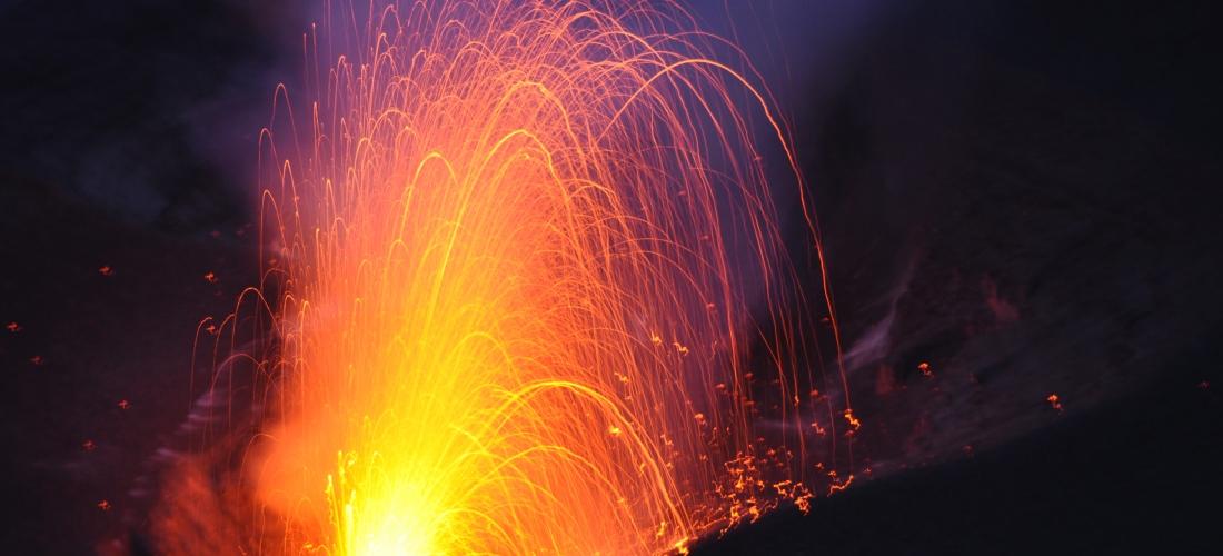 Explosion au Yasur