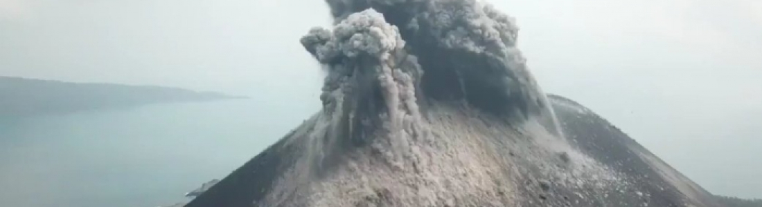 29 Octobre 2018. FR . Alaska : Veniaminof , Indonésie : Anak Krakatau , Guatemala : Fuego , Mexique : Popocatepetl , La Réunion : Piton de la Fournaise .