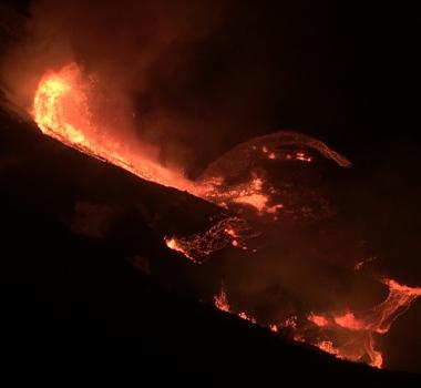 December 21, 2020. EN , Update 2 p.m. Italy / Sicily : Etna , Hawaii : Kilauea .