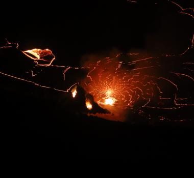 January 04, 2021. EN . La Reunion : Piton de la Fournaise , Hawaii : Kilauea , Indonesia : Sinabung , Guatemala : Santiaguito .