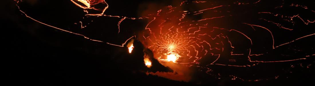 04 Janvier 2021. FR . La Réunion : Piton de la Fournaise , Hawaii : Kilauea , Indonésie : Sinabung , Guatemala : Santiaguito .