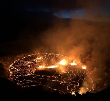 October 01 , 2021. EN. Hawaii : Kilauea , Spain / La Palma : Cumbre Vieja , Chile : Chaiten , La Réunion : Piton de la Fournaise , New Zealand : White Island .