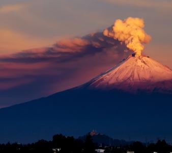 January  17 , 2019.  EN.  Colombia : Nevado del Ruiz , Kilauea : Hawaii , Indonesia : Agung , Japan : Kuchinoerabujima , La Guadeloupe : La Soufrière , Mexico : Popocatepetl .