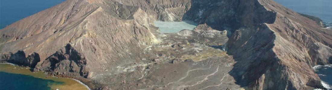 25 Novembre 2019. FR. Nouvelle Zélande : White Island , Italie : Campi Flegrei , Chili : Nevados de Chillan , Mexique : Popocatepetl .